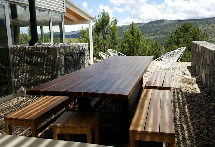Patios & Decks by VETA & DISEÑO, Rustic Solid Wood Multicolored