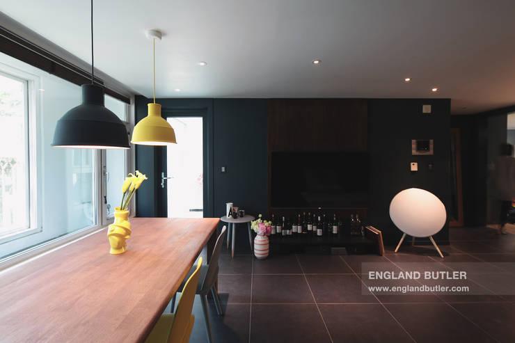 분당 K 하우스: 잉글랜드버틀러의  거실