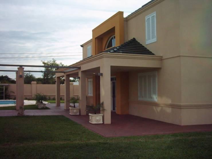 Casa García- Resistencia Chaco: Casas de estilo  por Arq.Rubén Orlando Sosa
