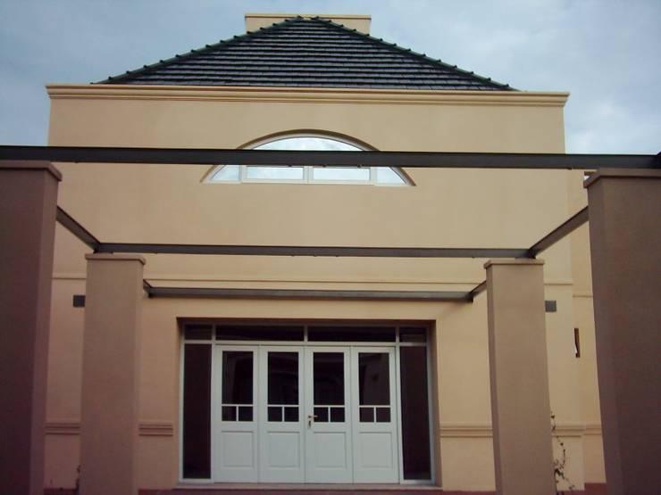 Casas clássicas por Arq.Rubén Orlando Sosa