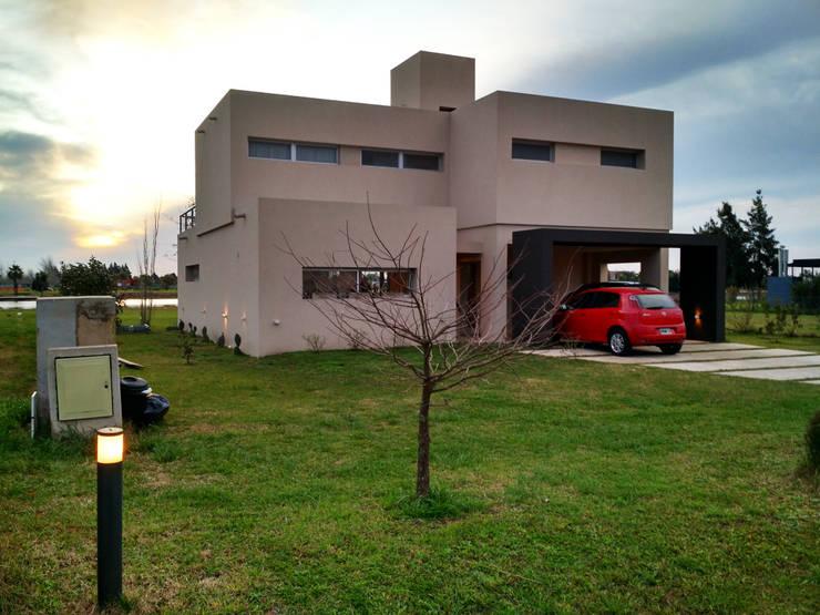 Puerto Roldán – Lote 101 Casas modernas: Ideas, imágenes y decoración de Erb Santiago Moderno