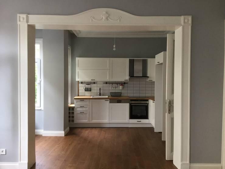 Plano Mimarlık ve Teknoloji – Firuzağa Ev:  tarz Mutfak, İskandinav