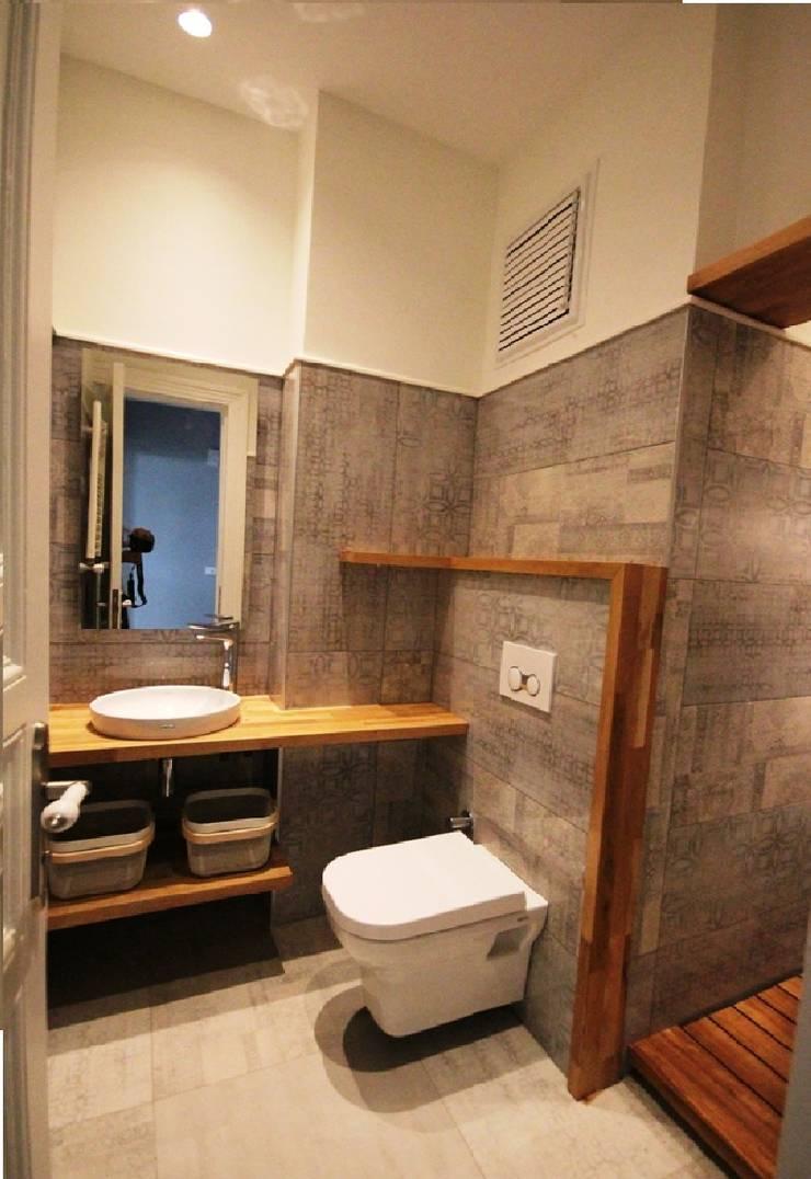 Plano Mimarlık ve Teknoloji – Firuzağa Ev:  tarz Banyo, Modern