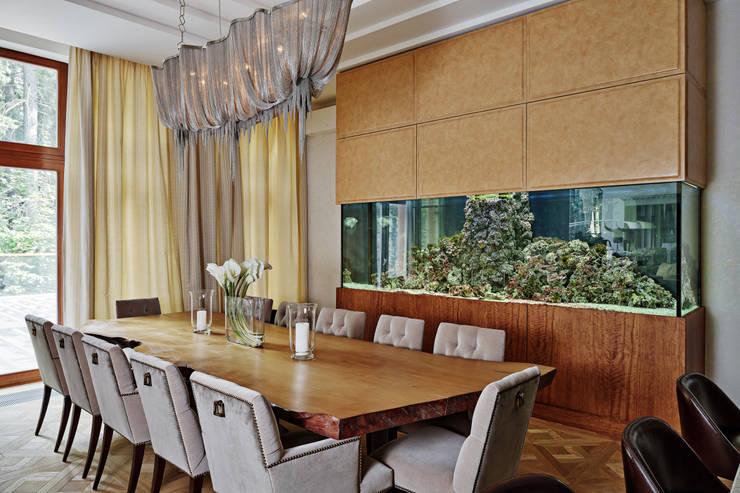 Особняк в Барвихе: Столовые комнаты в . Автор – Архитектурное бюро Бахарев и Партнеры