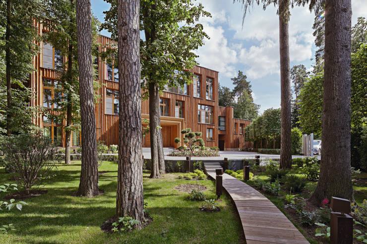 Особняк в Барвихе: Дома в . Автор – Архитектурное бюро Бахарев и Партнеры
