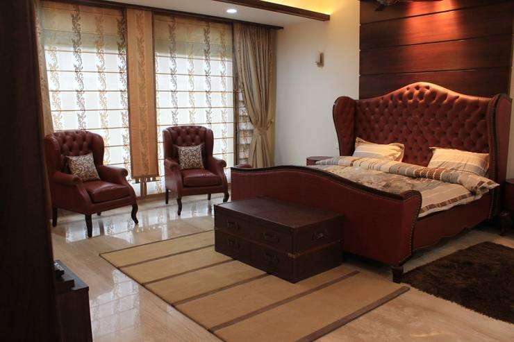 Mrs. Jaspreet Panesar: classic Bedroom by Designworks