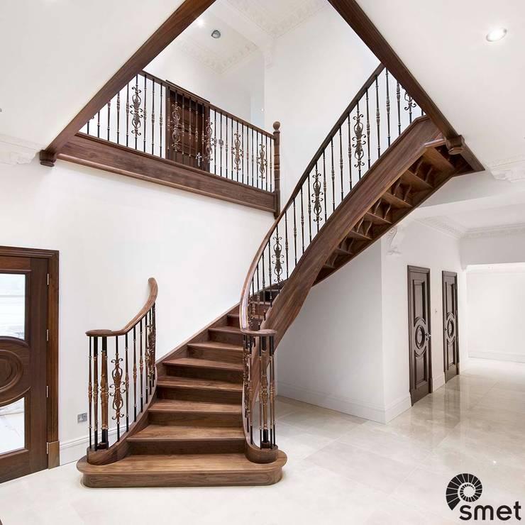 Projekty,  Korytarz, przedpokój zaprojektowane przez Smet UK - Staircases
