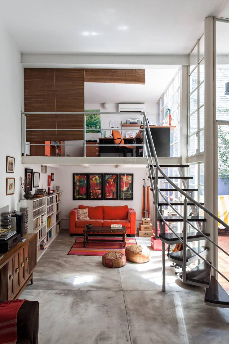 Galpón Lola: Estudios y oficinas de estilo  por Pop Arq,