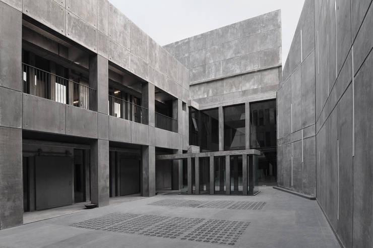 Study/office by Ramiro Zubeldia Arquitecto