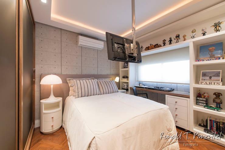modern Bedroom by Priscila Koch Arquitetura + Interiores