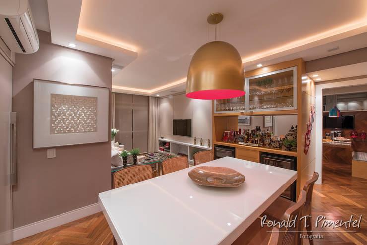 Comedores de estilo  por Priscila Koch Arquitetura + Interiores, Moderno