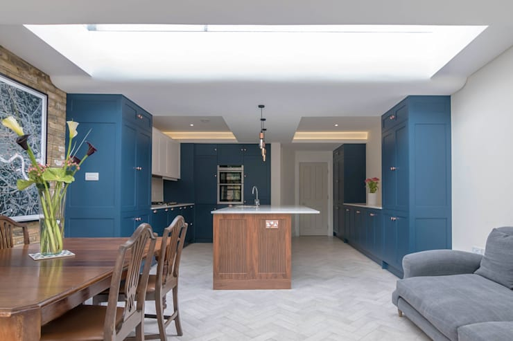 Kitchen by Proctor & Co. Architecture Ltd