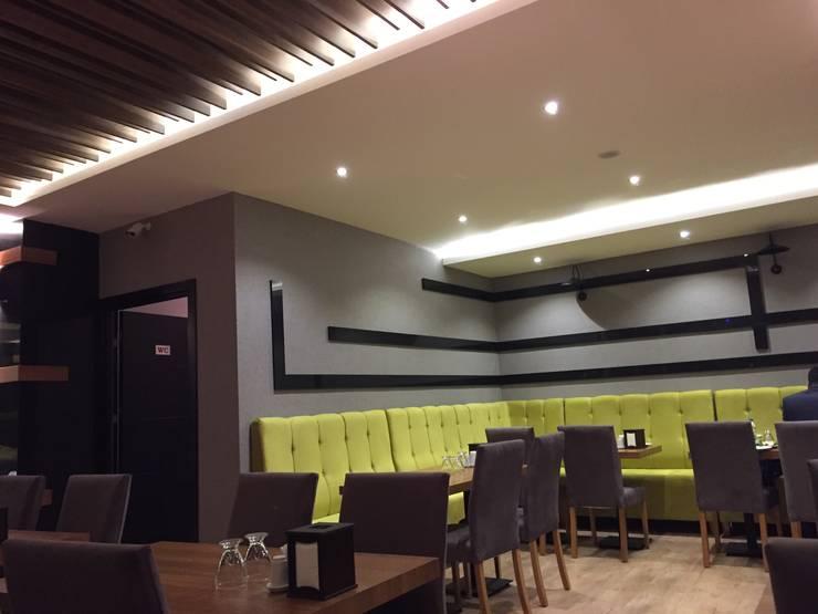 İZARC MİMARLIK – RESTAURANT DESIGN- LOCA OTURMA ALANI:  tarz Bar & kulüpler, Modern Orta Yoğunlukta Lifli Levha