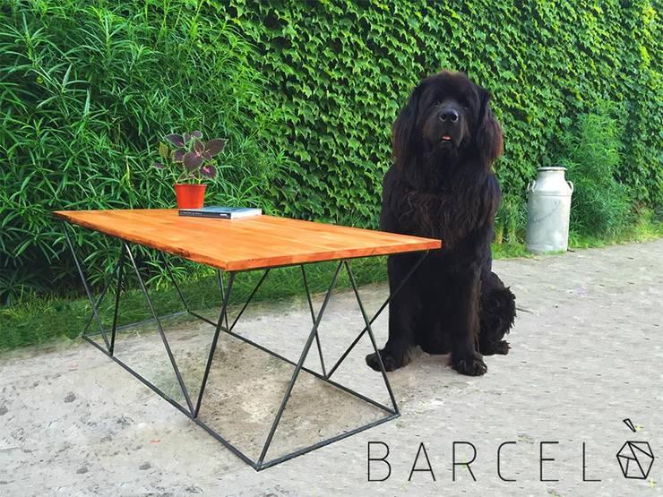 Mesa Ratona RIBERA: Livings de estilo  por Barcelò. diseño en hierro
