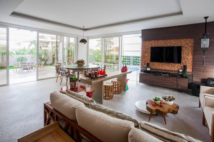 Varanda Gourmet : Terraços  por Heloisa Titan Arquitetura