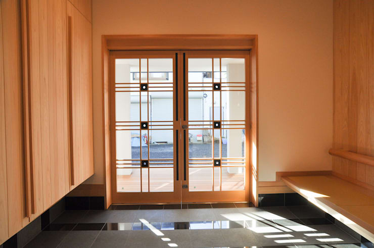 Koridor dan lorong by (株)独楽蔵 KOMAGURA