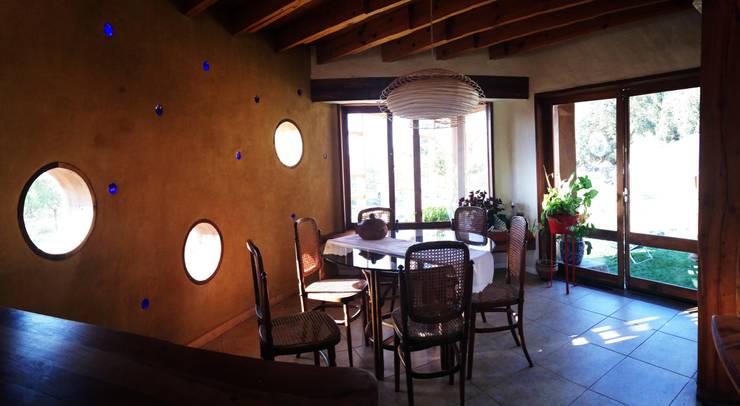 Comedores de estilo  por ALIWEN arquitectura & construcción sustentable