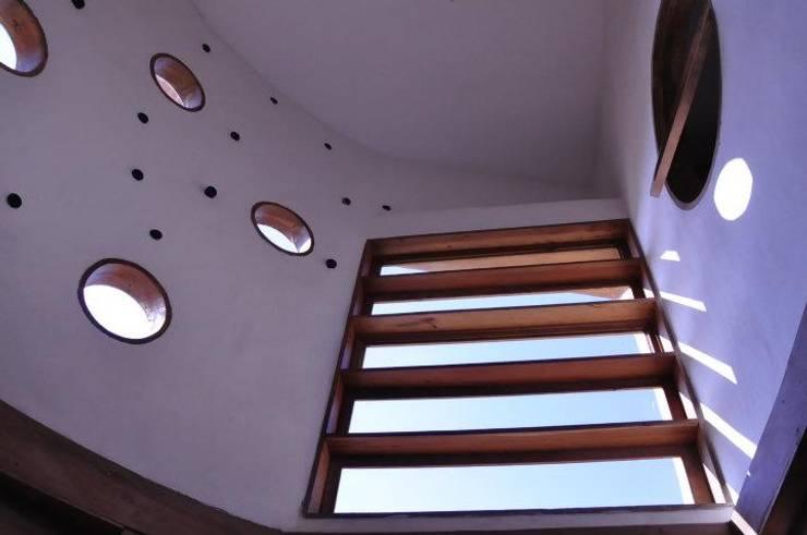 Holzfenster von ALIWEN arquitectura & construcción sustentable - Santiago