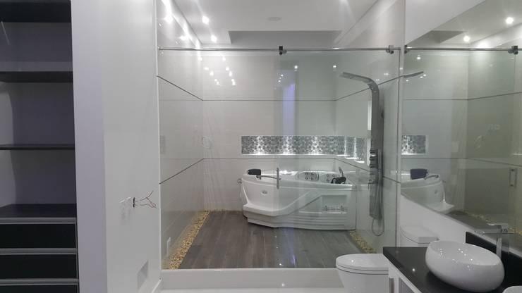 modern Bathroom by Camilo Pulido Arquitectos