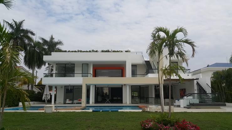 Дома в . Автор – Camilo Pulido Arquitectos