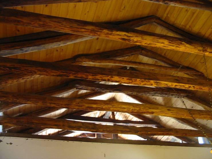 Гостиная в . Автор – ALIWEN arquitectura & construcción sustentable - Santiago,