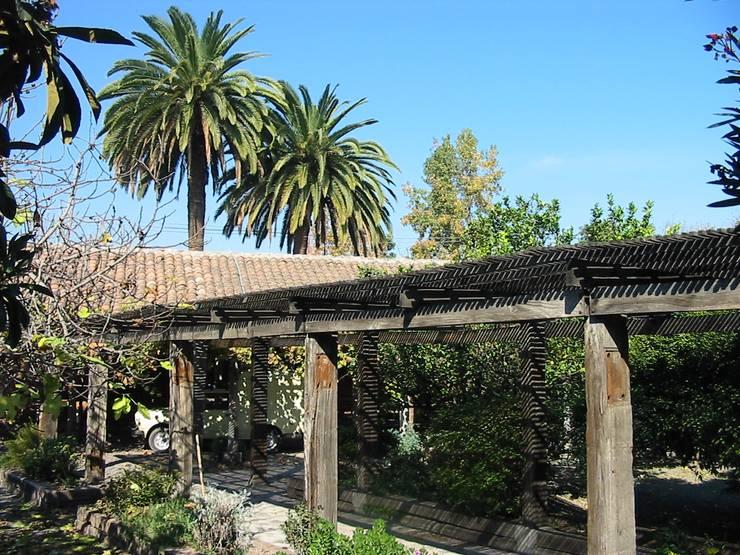 Дома на одну семью в . Автор – ALIWEN arquitectura & construcción sustentable - Santiago,
