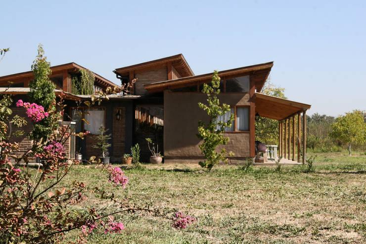 Casas de estilo rural por ALIWEN arquitectura & construcción sustentable