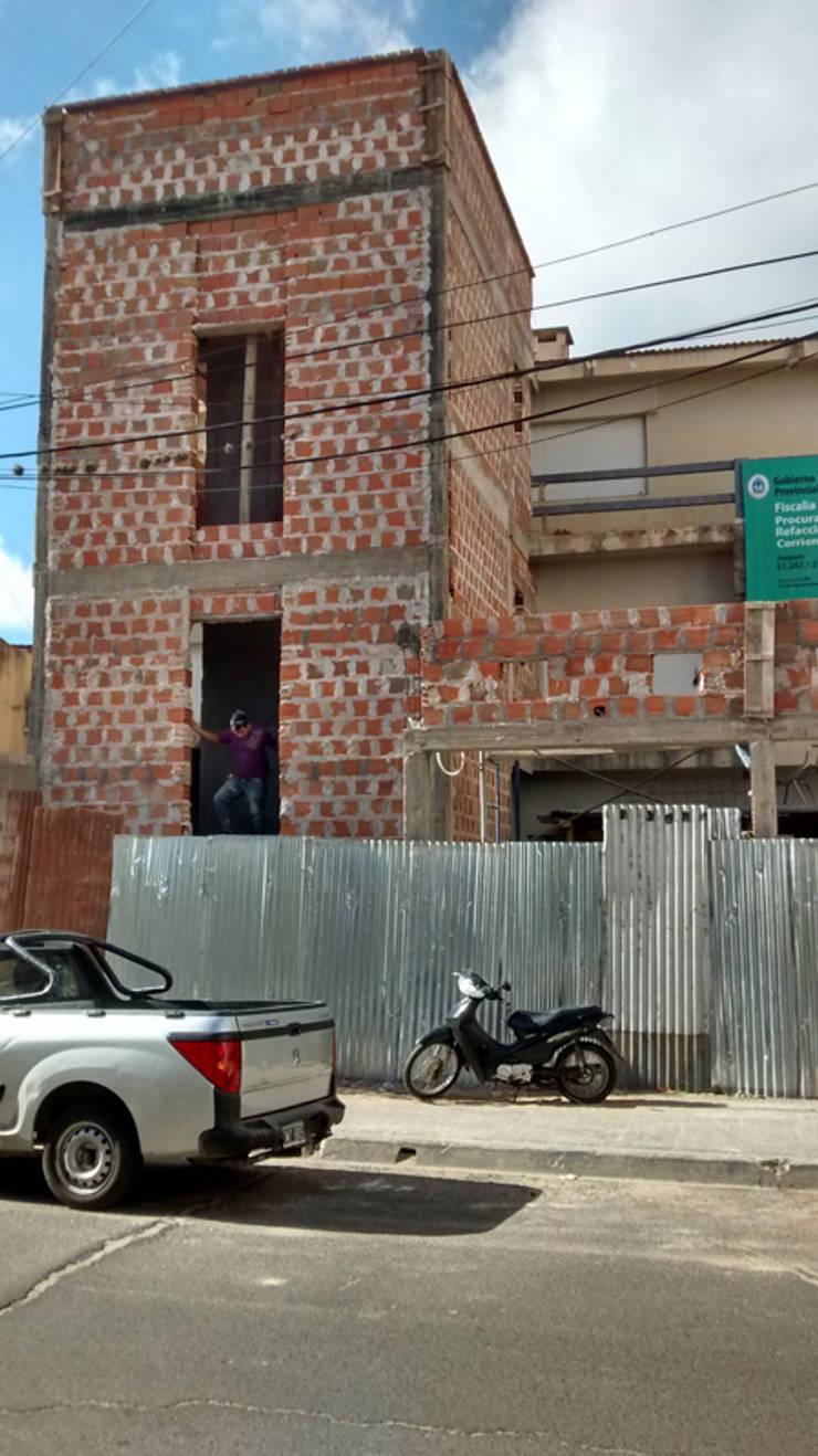 Obra de reforma y ampliación de la Fiscalía de Estado de Corrientes:  de estilo  por Albornoz-Tolcachier,