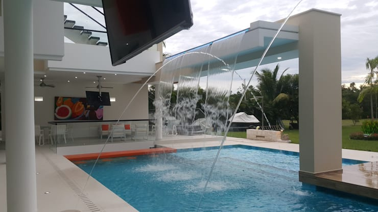 modern Pool by Camilo Pulido Arquitectos