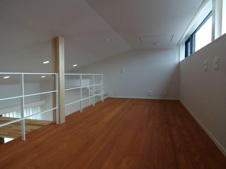 嬰兒房/兒童房 by 有限会社 橋本設計室