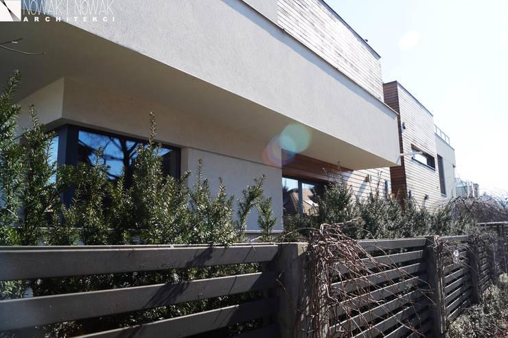 DOM  WARSZAWA- WŁOCHY : styl , w kategorii Domy zaprojektowany przez Nowak i Nowak Architekci