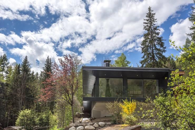 Soleya: Maisons de style  par Chevallier Architectes