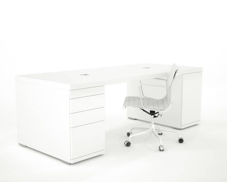 hoogglans wit bureau Clean Desk:  Studeerkamer/kantoor door Studio Edwin de Kuiper