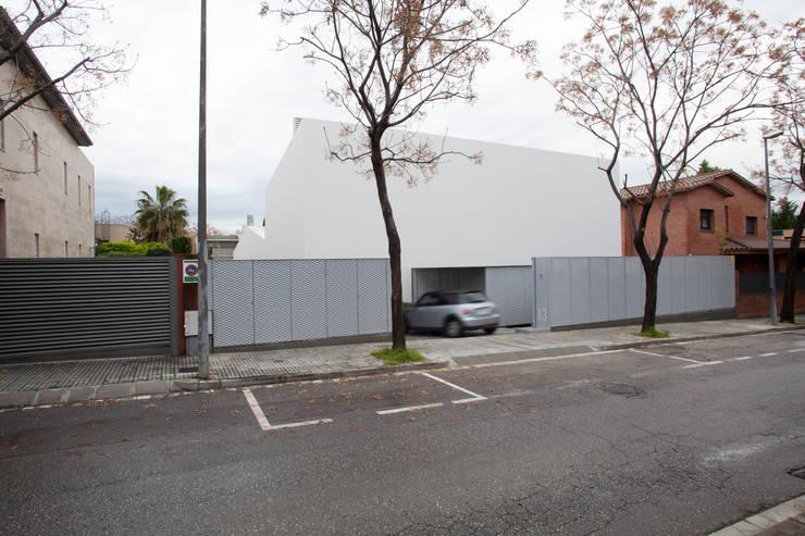 Casas de estilo  por CABRÉ I DÍAZ ARQUITECTES, Minimalista