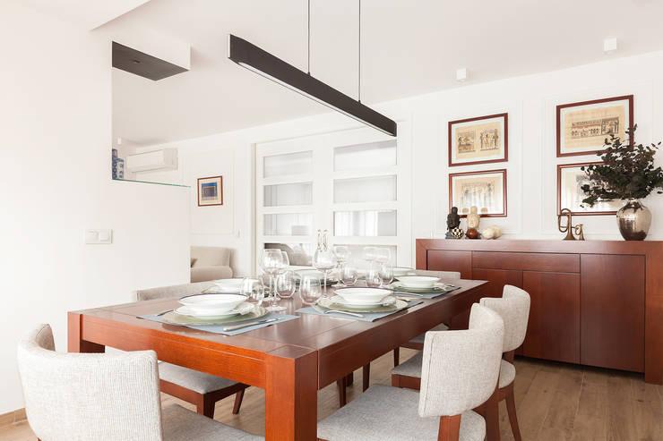 Diseño de interior piso La Paz - ITTA Estudio: Comedores de estilo moderno de Luzestudio Fotografía