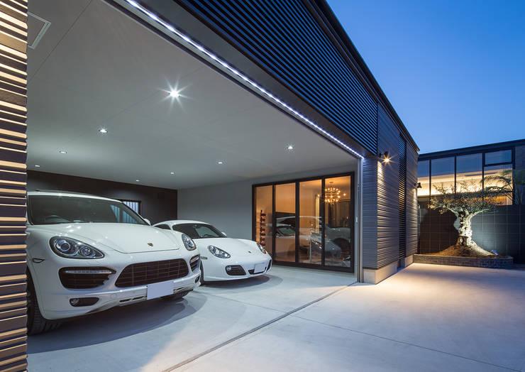 Garagens e edículas modernas por 一級建築士事務所  馬場建築設計事務所
