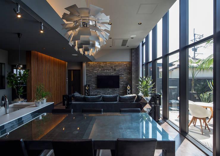Salas de jantar modernas por 一級建築士事務所  馬場建築設計事務所