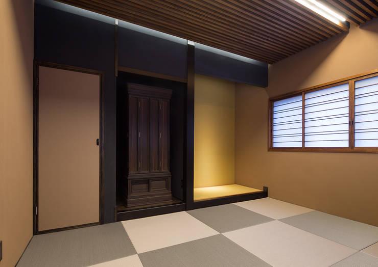 Salas multimídia modernas por 一級建築士事務所  馬場建築設計事務所