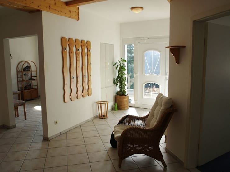 Raumpraesenz-Homestaging 의  복도 & 현관