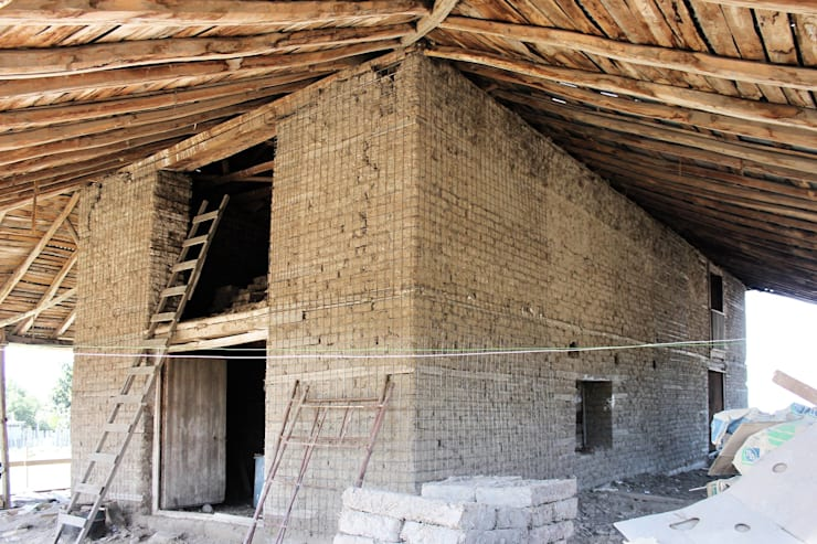 Reparación y Rehabilitación de Galpón en Toquihua por ALIWEN:  de estilo  por ALIWEN arquitectura & construcción sustentable