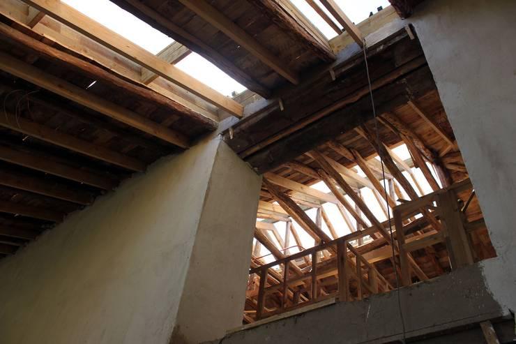 Reparación y Rehabilitación de Galpón en Toquihua por ALIWEN: Casas de estilo  por ALIWEN arquitectura & construcción sustentable