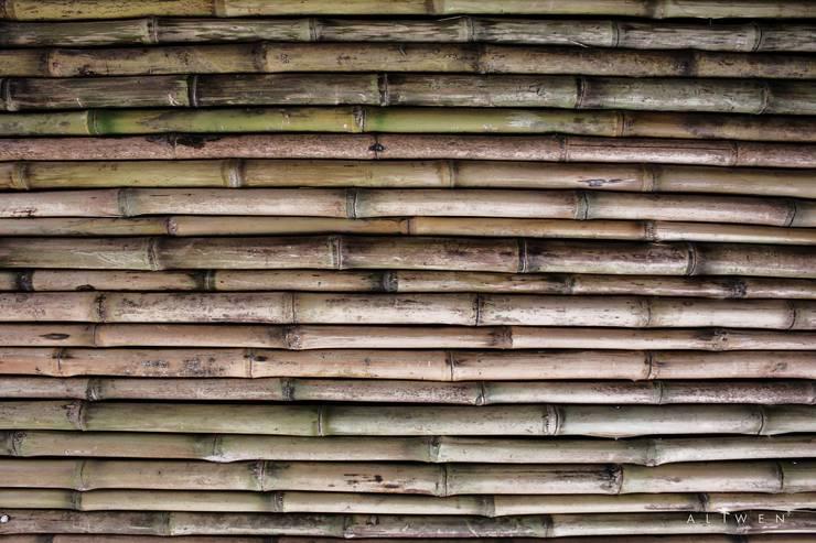 Materiales: Paredes de estilo  por ALIWEN arquitectura & construcción sustentable - Santiago