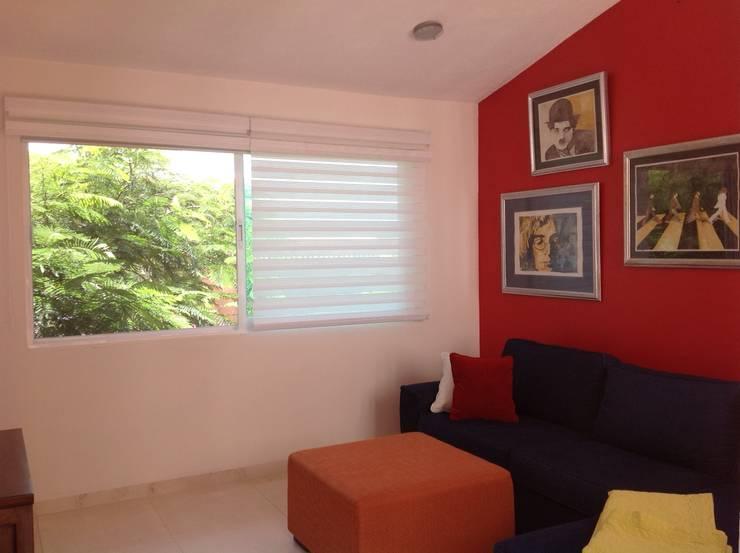 SALA DE TV: Salas multimedia de estilo moderno por EL DIVÁN Arquitectura & Diseño de Interiores