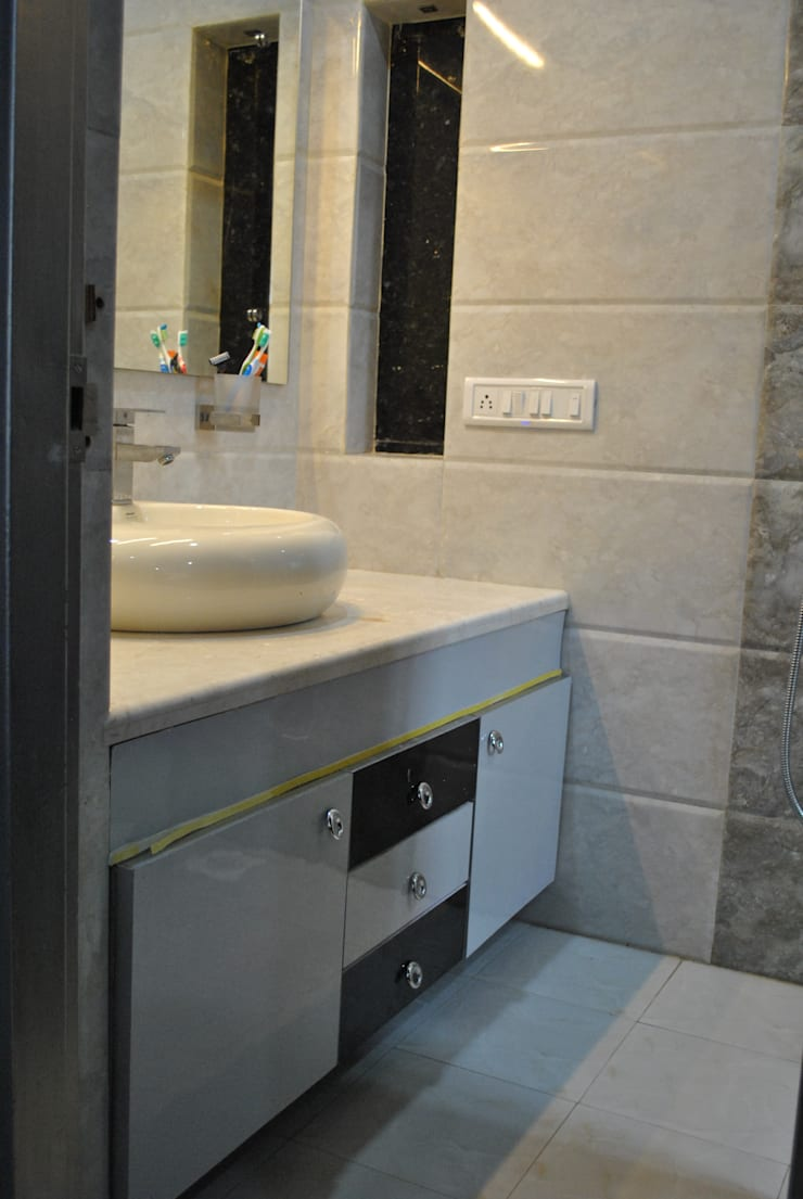 Nawab alam:  Bathroom by Arturo Interiors