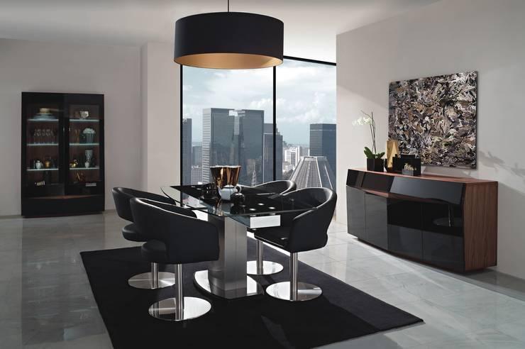 Mobiliário de sala de jantar Dining room furniture www.intense-mobiliario.com  B7 http://intense-mobiliario.com/pt/salas-de-jantar/8576-sala-de-jantar-berlin-b7.html: Sala de jantar  por Intense mobiliário e interiores;