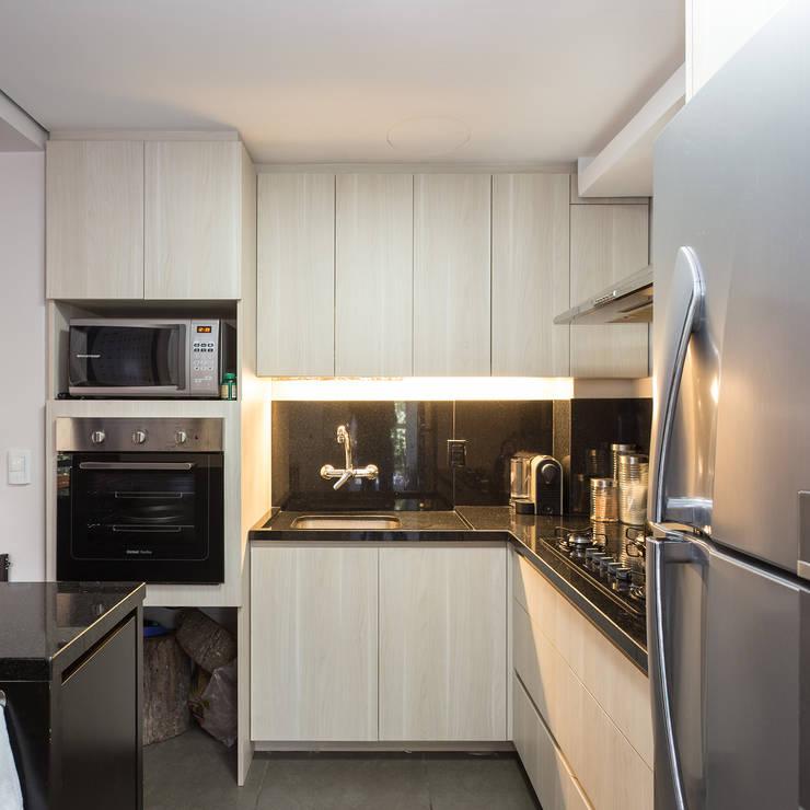 SDV | Cozinha: Cozinhas  por Kali Arquitetura