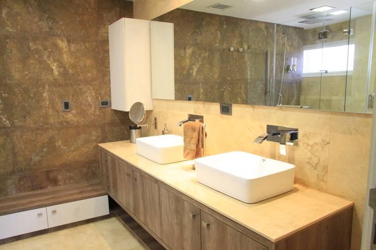 APTO PS: Baños de estilo  por JAVC ARQUITECTOS S.C