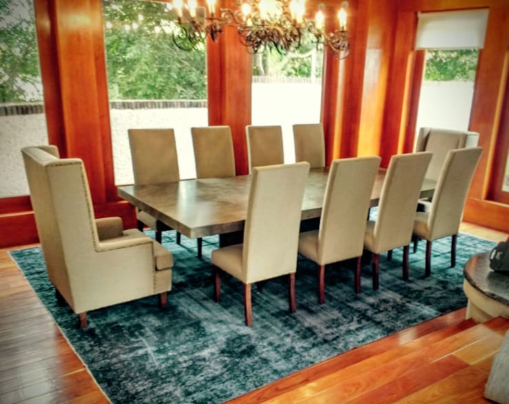 Dining room by Estilo en muebles,