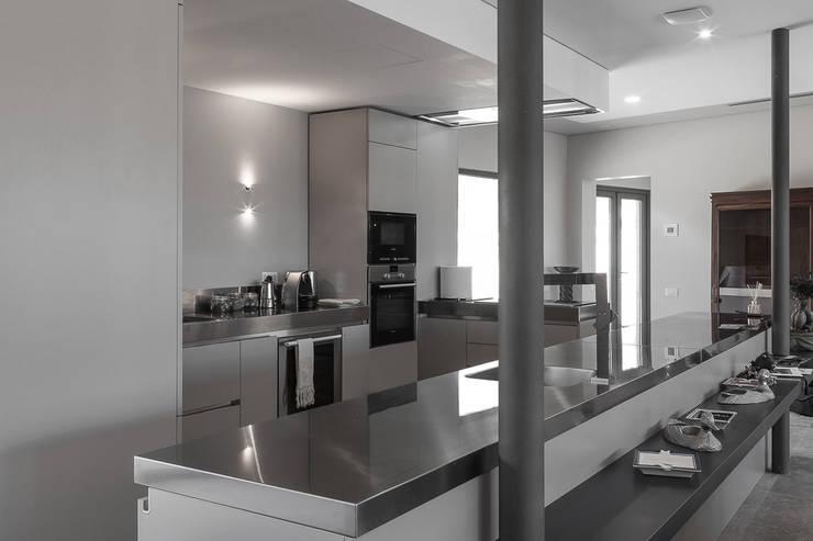 Projekty,  Kuchnia zaprojektowane przez Technowood srl