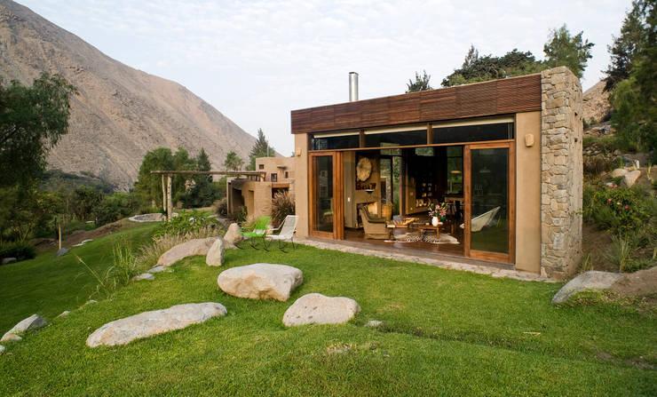 modern Houses by Marina Vella Arquitectura